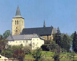 Stiftskirche mit Stift